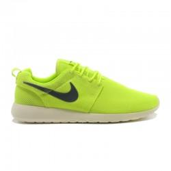 Nike Roshe Run Classic...